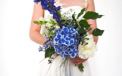 HOCHZEITSDEKORATION: Die passenden Blumen zu Aquarell-Kollektion
